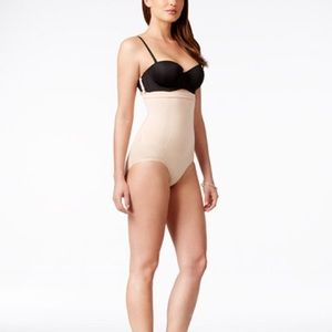 Spanx high waisted brief NWOT